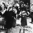 Kniha o židovském pediatrovi líčí cestu do Treblinky na smrt, která měla smysl