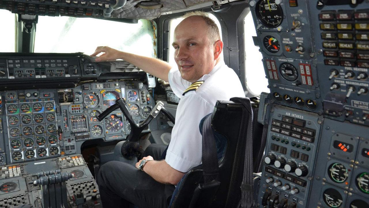 Lubor Obendrauf, jediný český pilot Concordu a také letecký publicista, který na téma letectví napsal přes 800 článků.