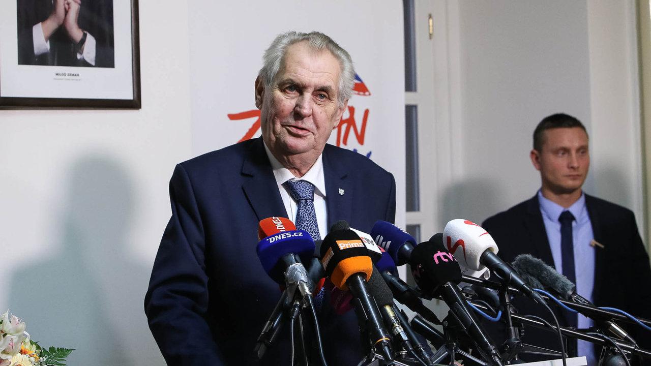 Vživé televizní debatě spolitickým oponentem neviděl nikdo Miloše Zemana odposlední prezidentské volby vroce 2013.