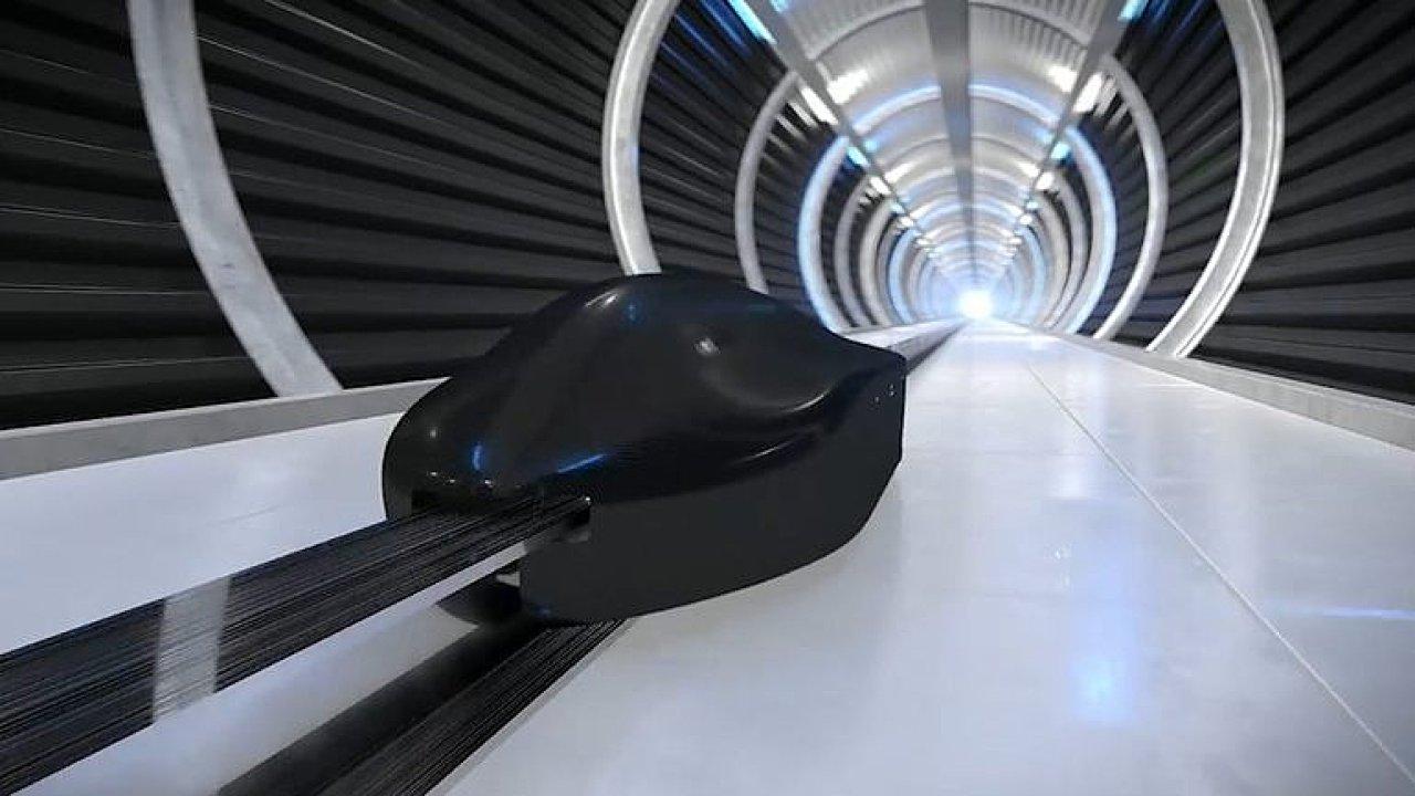 """Hyperloop, který překonal rekord. Z čeho se skládá tato 70kilová """"střela""""?"""