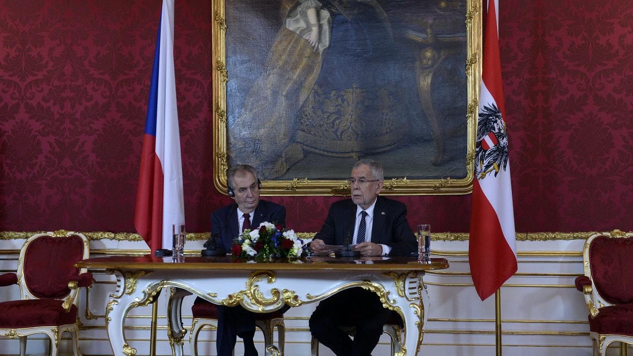 Český prezident Miloš Zeman se ve Vídni setkal se svým rakouským protějškem Alexanderem Van der Bellenem.