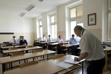 Povinná maturita z matematiky od příštího roku zavedena nebude.