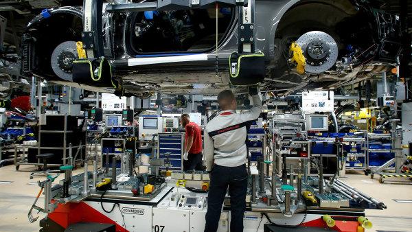 Důvěra v českou ekonomiku je nejnižší za tři roky, nejpesimističtější je průmysl