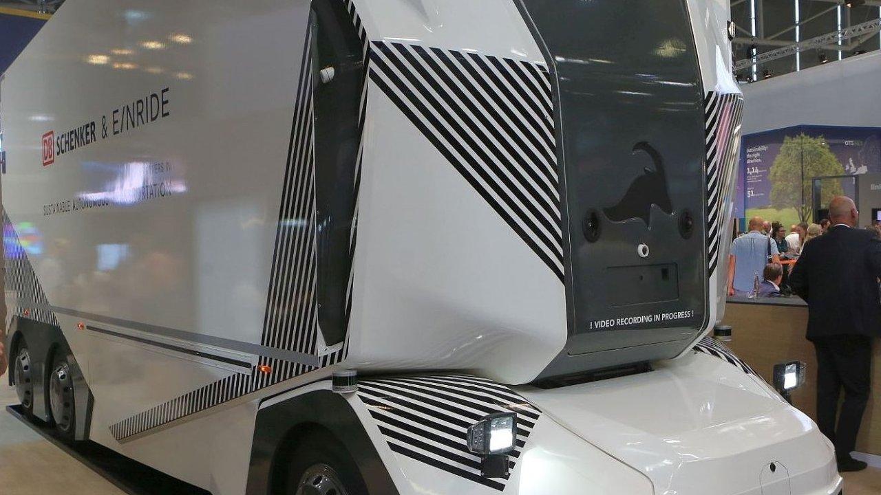 Autonomní nákladní auto od DB Schenker a Einride na veletrhu Transport logistik