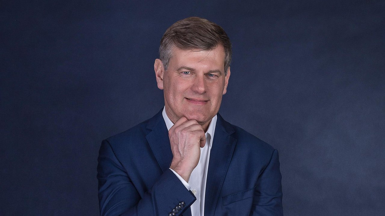 Karel Bárek přišel doHervisu vroce 2014 se zkušenostmi zTeska, tam měl nastarosti optimalizaci prodejních ploch azmenšování včetně konceptu Expres. Podobné úkoly dostal ivHervisu.