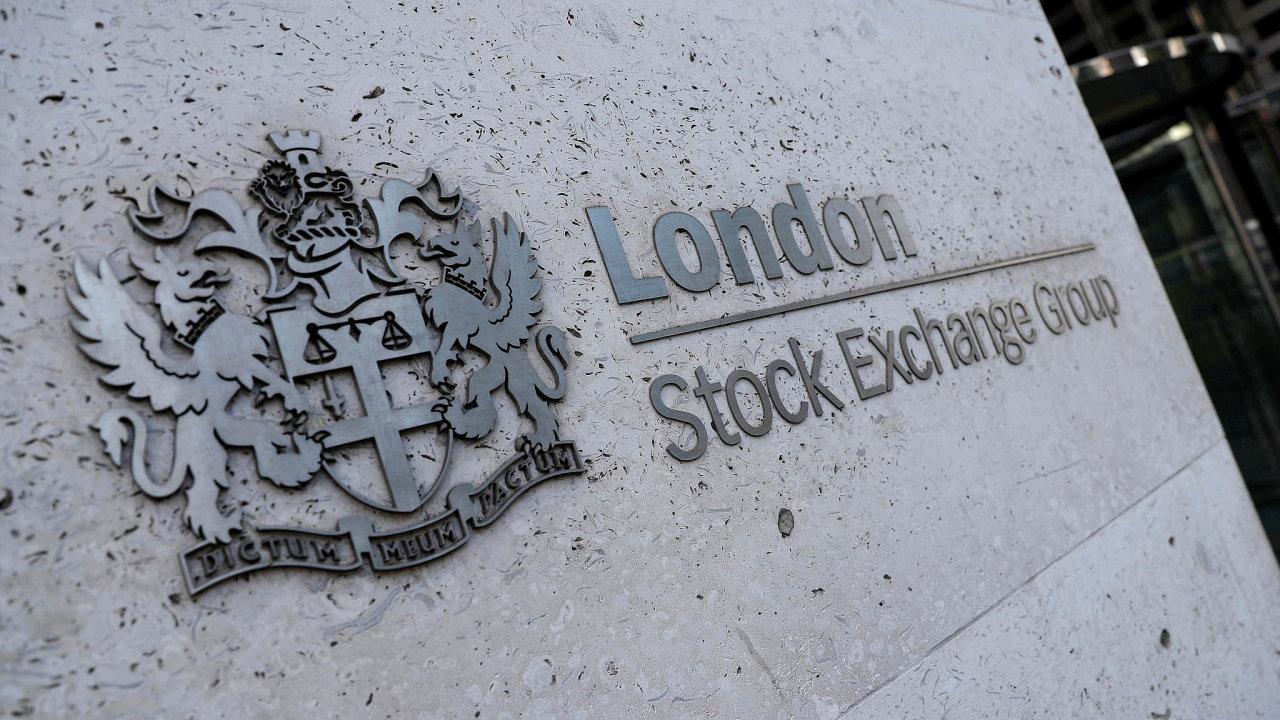 Knárůstu ceny akcií londýnské burzy přispěly také příznivé ohlasy některých analytiků.