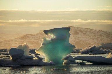 Tající ledovec v Grónsku.