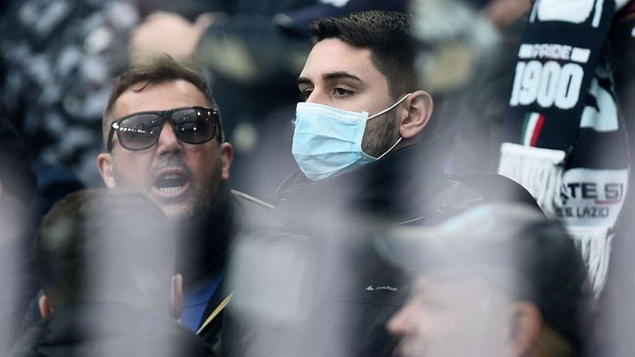 Riziko zavlečení viru do Česka stoupá, velké počty nakažených ale nečekám, říká lékař.