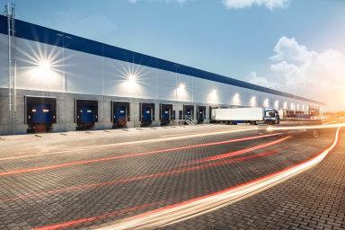 Největší halu postavila v letošním druhém čtvrtletí developerská společnost Panattoni v Chebu. Obsadil ji německý online prodejce Real Digital.