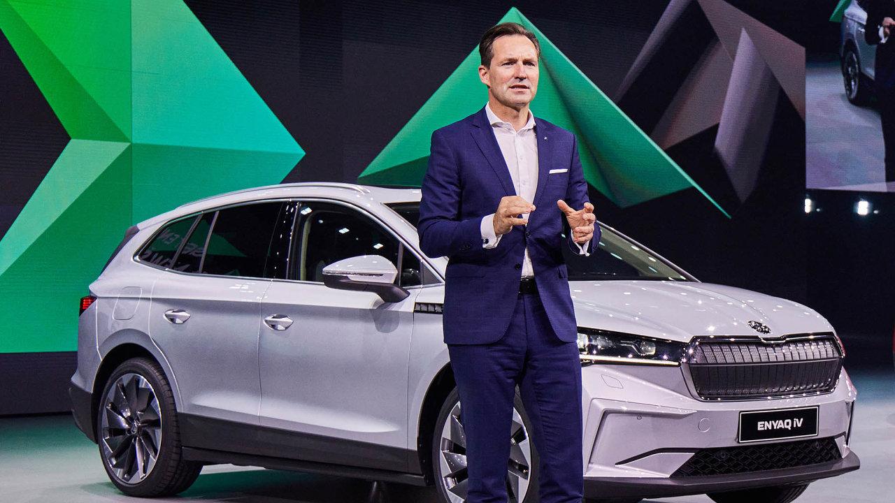 Novým trumfem automobilky má být elektrické SUV Enyaq. Pokud poroste zájem o vysoce zisková SUV, firma nastěhování vpříštích letech vydělá. Na snímku je předseda představenstva Thomas Schäfer.