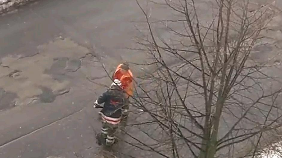 Líní silničáři v Lotyšsku