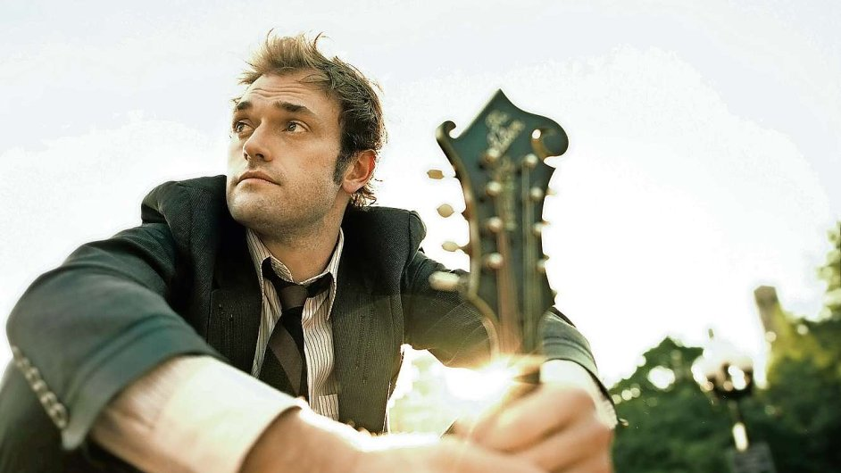 Chris Thile vyniká v bluegrassu i interpretaci Bacha.