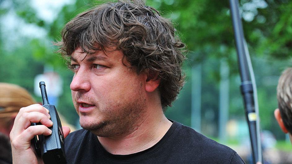 Robert Sedláček při natáčení krimi Sráči