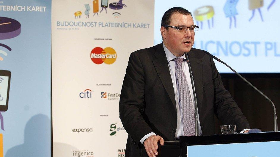Konferenci zahájil guvernér ČNB Miroslav Singer, který nad akcí převzal záštitu.