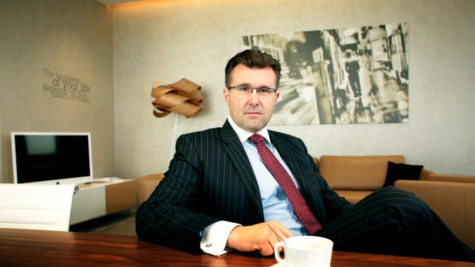 Jaroslav Havel je řídícím partnerem advokátní kanceláře Havel, Holásek & Partners.