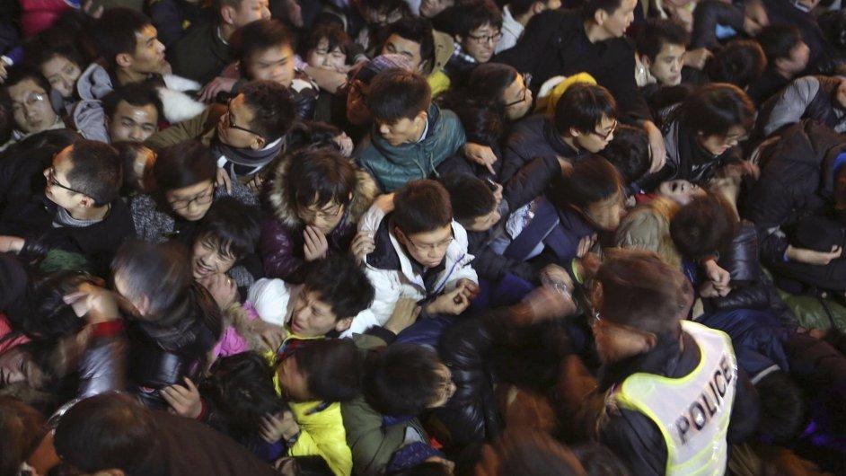 Tlačenice během silvestrovských oslav v Šanghaji