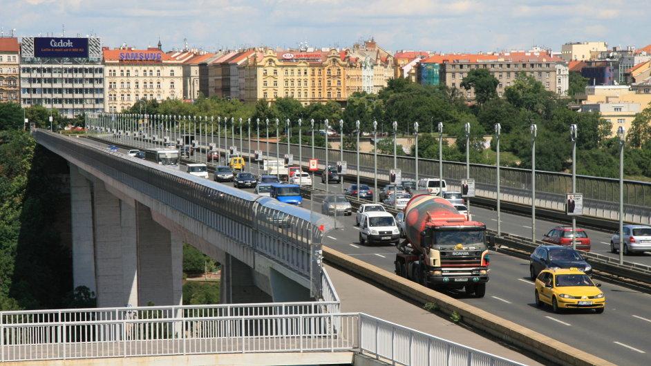 Oprava Nuselského mostu bude letos pokračovat od března do prosince.