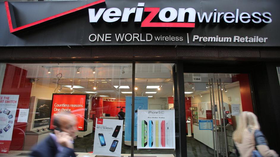 Největší americký mobilní operátor Verizon převezme internetovou firmu AOL.