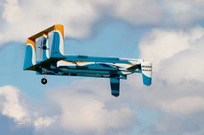 Amazon láká na nový doručovací dron, propaguje ho Jeremy Clarkson