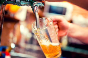 �e�i fand� minipivovar�m: Podle na�ich �ten��� je nejlep�� Z�meck� pivovar Chy�e