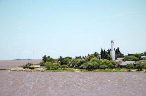 Rajsk� dny v Uruguayi. T�ic�tky uprost�ed na�� zimy, stovky kilometr� pl��, leg�ln� marihuana a kr�sn� �eny