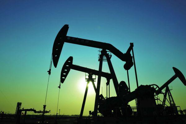 Levná ropa podpořila hospodářský růst