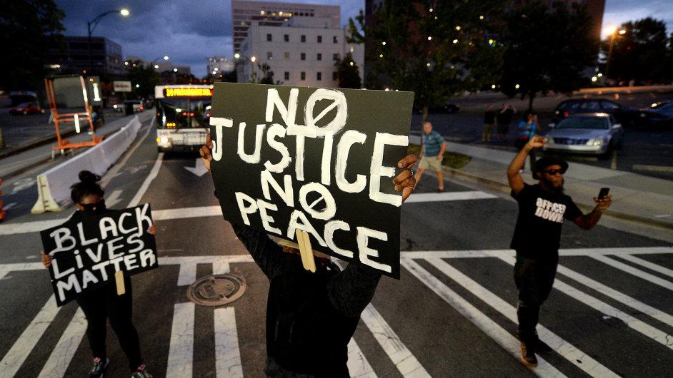 Protest proti policejnímu násilí v Charlotte.
