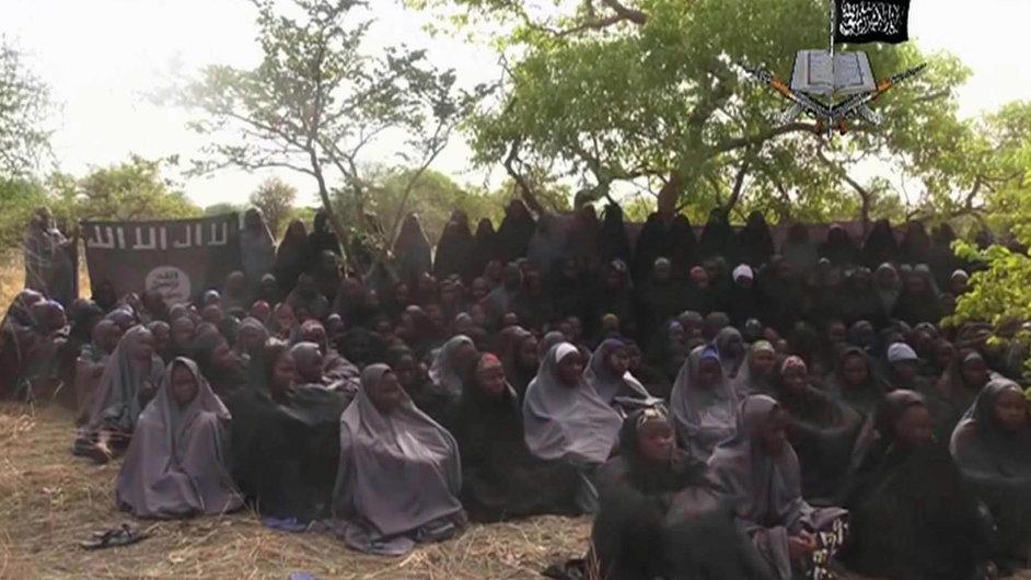 Sekta Boko Haram propustila 21 nigerijských školaček.