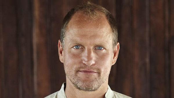 Woody Harrelson na sebe v poslední době upozornil rolemi v trilogii Hunger Games či v první řadě seriálu True Detective.