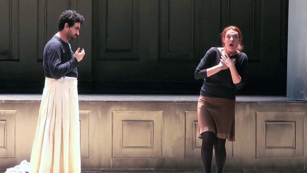 Snímek ze zkoušky Monteverdiho opery Odysseův návrat do vlasti.