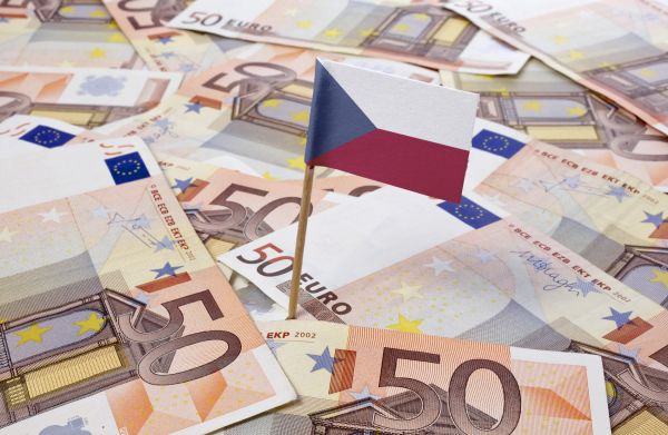 ČNB drží pevný koruny k euru - Ilustrační foto.