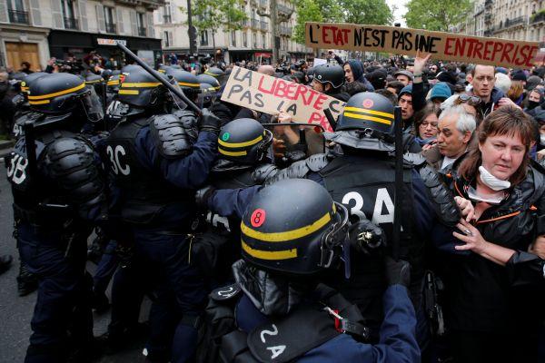 Demonstrace proti Macronovi, Paříž, Francie