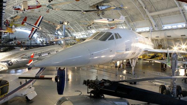 Nadzvukový letoun Concorde měl křižovat oblohu, místo toho dnes plní letecká muzea.
