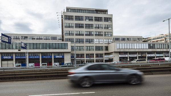 Funkcionalistický dům na adrese Bubenská 1, kde sídlily Elektrické podniky.