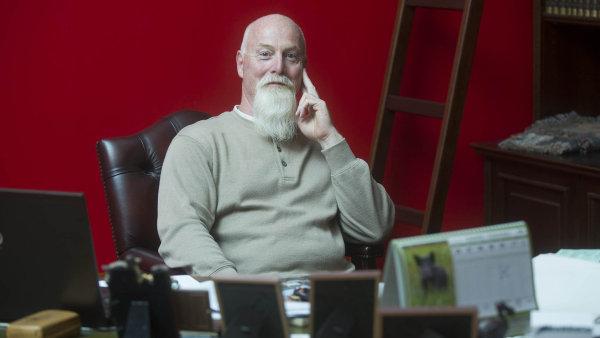 David Parish se přestěhoval z Kanady do Čech, aby se staral o lesy, které po staletí patřily jeho předkům.