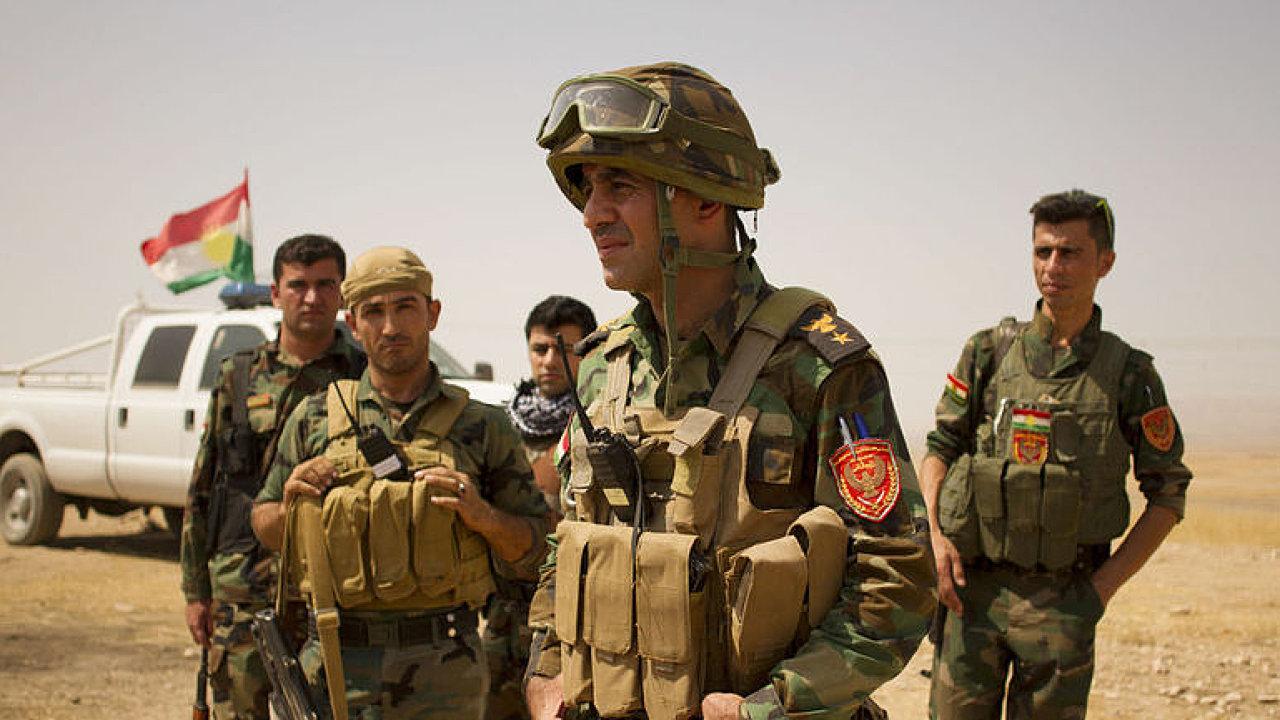 Kurdové stojí před Mosulem. Reportér Aktuálně.cz s nimi prohledal tunely a bunkr Islámského státu