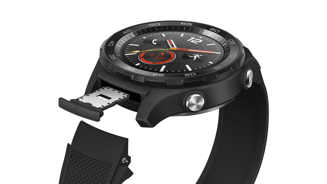 Nástupce hodinek Huawei Watch 2 Sport na snímku by měl zvládnout násobně delší provoz na jedno nabití