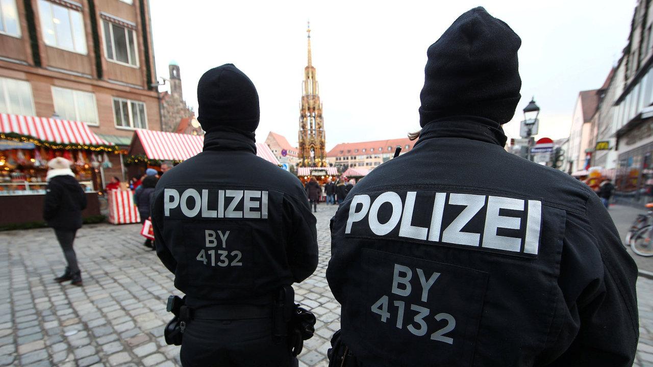 Německá policie musela kvůli balíčku s výbušninou uzavřít i vánoční trhy v centru Postupimi.
