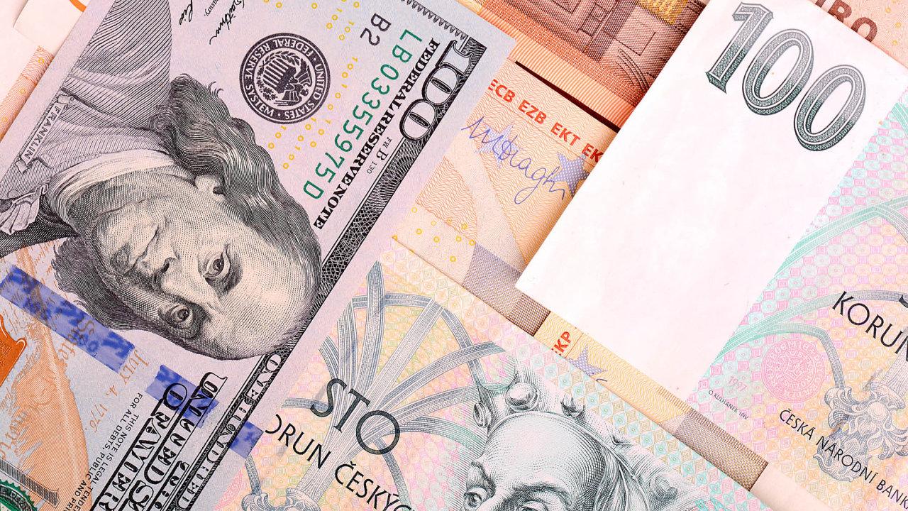 Letošní rok bude (podobně jako ten loňský) ve znamení posilování koruny k euru i dolaru.