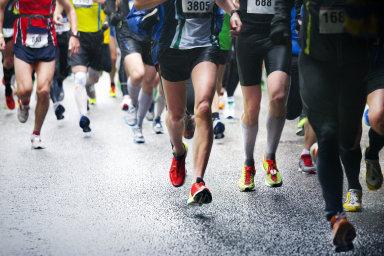 Popularita organizovaných běhů se každoročně zvyšuje. Květnový maraton v Praze běží přes 10 tisíc lidí, další tisíce najednou se vydávají na velké městské půlmaratony- - Ilustrační foto.