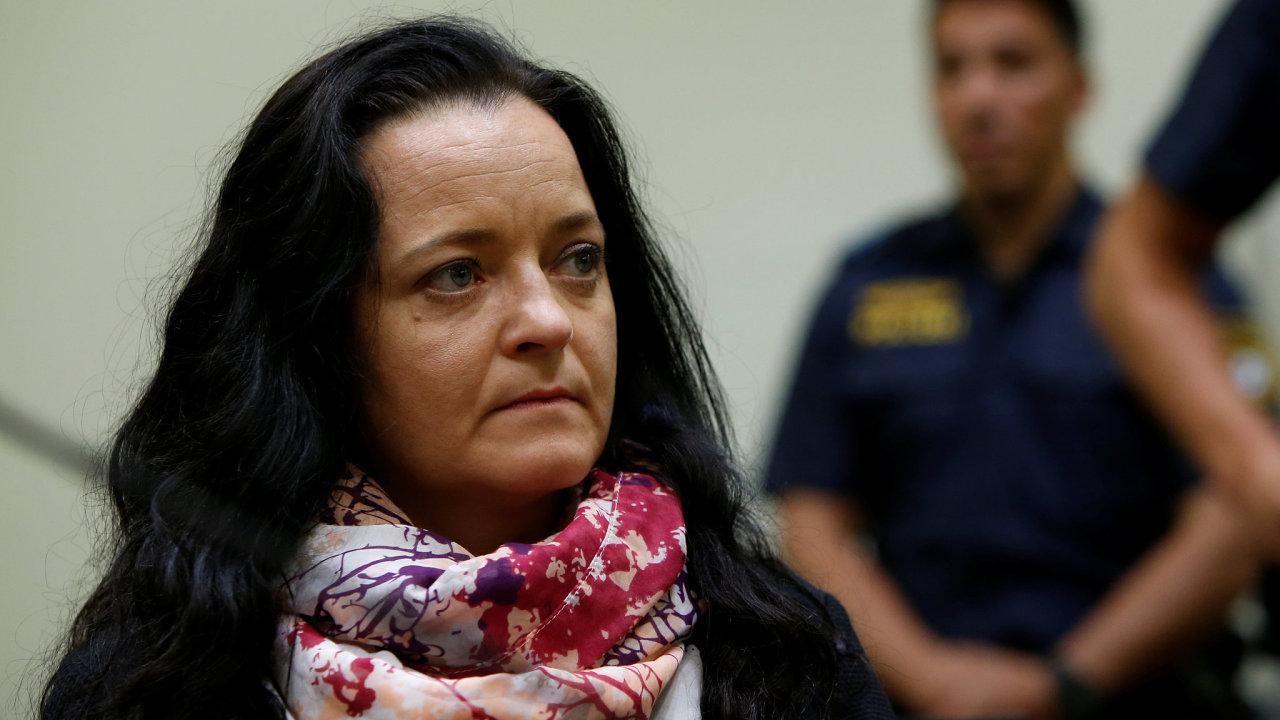Neonacistka Beate Zschäpeová má strávit zbytek života ve vězení.