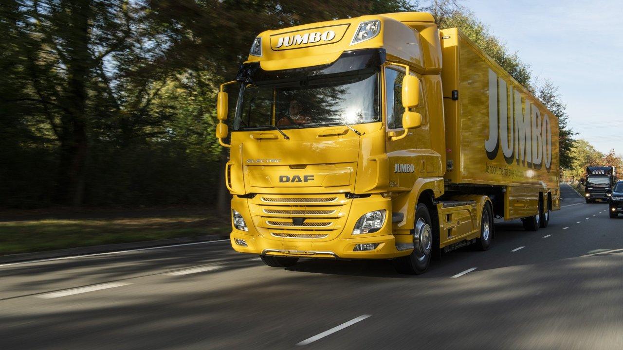 DAF předal svoje první nákladní vozidlo s čistě elektrickým pohonem.