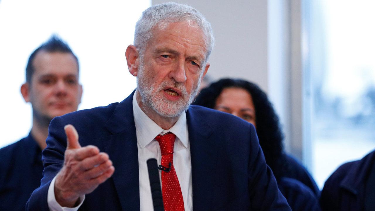 Šéf labouristů Jeremy Corbyn dnes v Dolní sněmovně prohlásil, že pokud parlament neschválí brexitovou dohodu s Bruselem, musí být vypsány předčasné volby.
