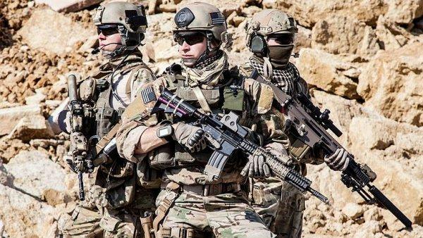 Američané se vracejí do střední Evropy. Chtějí tu jen prodat zbraně, nebo něco víc?