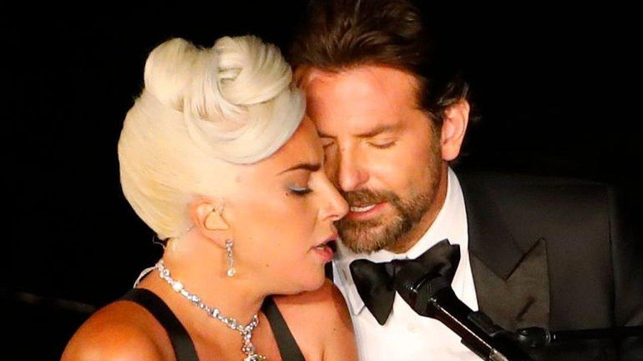 Lady Gaga a Bradley Cooper předvedli na Oscarech dojemný duet