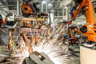 Automobilový průmysl prochází největší proměnou ve své historii, uvedl Daimler v prohlášení, v němž oznámil propuštění 10 tisíc svých zaměstnanců do tří let. - Ilustrační foto.