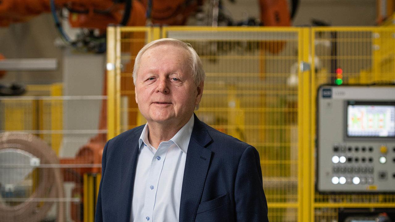 Střet majitelů. Už od revoluce řídí Strojmetal Miroslav Jelínek. Přestože vlastní minoritní podíl, firmu chce ovládat dál.