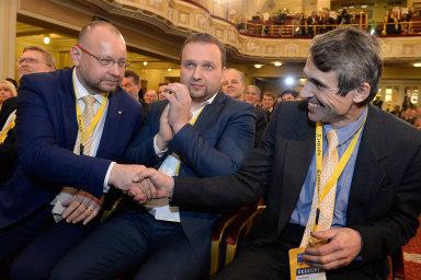 Trojice kandidátů. O post předsedy KDU-ČSL se střetli (zleva) Jan Bartošek, Marian Jurečka a překvapivě i rychnovský zastupitel Jan Horníček. Vítěze Jurečku však neohrozili.
