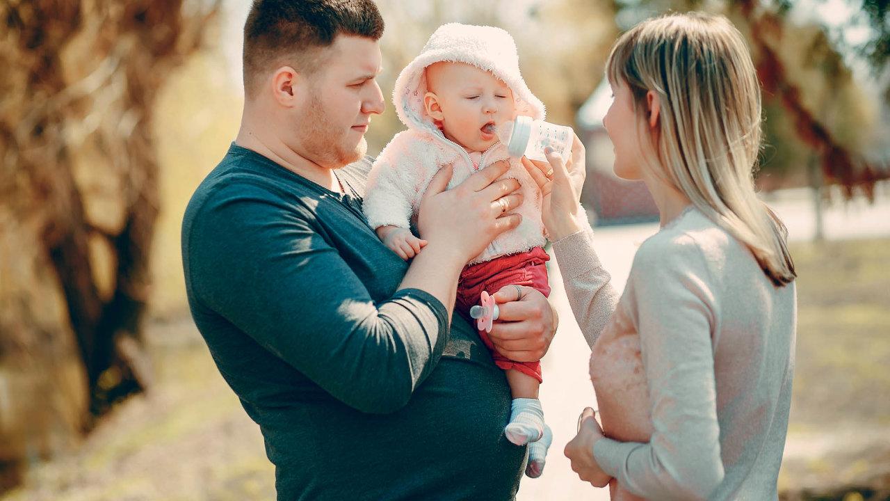 Odborníci upozorňují, že čím dál méně matek kojí své děti.