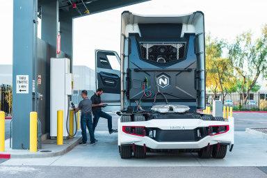 Vodíkový truck. Nový start-up Nikola chystá vodíkem poháněný nákladní automobil a jeho akcie se už nyní prudce zhodnocují.
